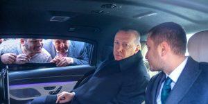 Cumhurbaşkanı Erdoğan, Tarabya'da minibüsçülerle sohbet etti