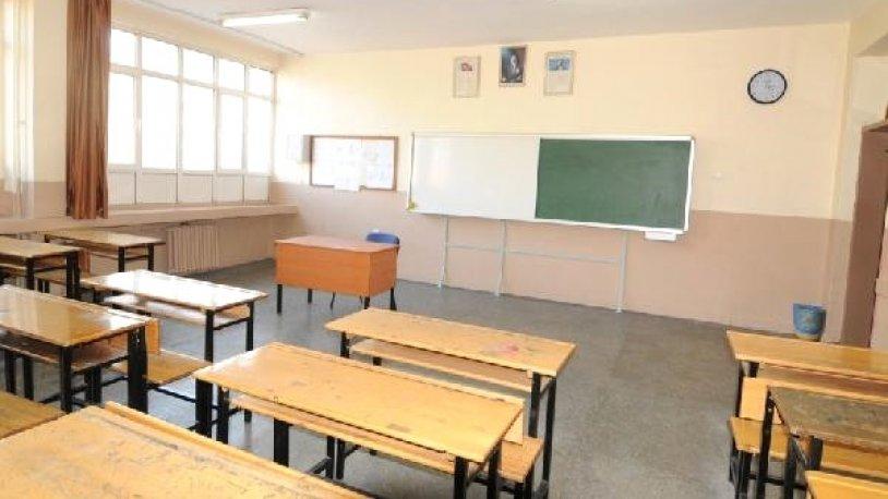 Öğretmen oruç tutmadığı için sınıftan kovmuştu… Yaşananları böyle anlattı