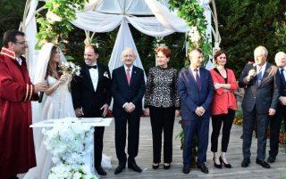 CHP, nikah töreni için Sarıyer'de buluştu!