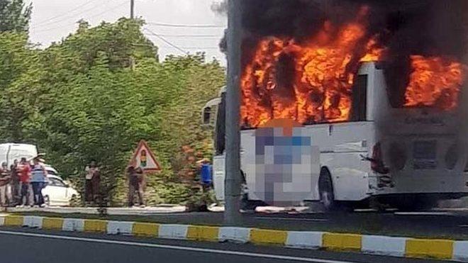 Yolcu otobüsünde yangın çıktı! 2'si çocuk 5 ölü