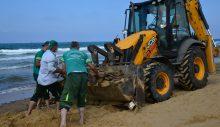 Sarıyer Belediyesi sahilleri temizledi