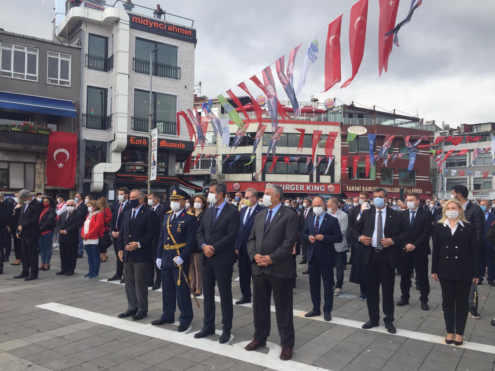 Cumhuriyet bayramı resmi töreni Sarıyer'de gerçekleştirildi.