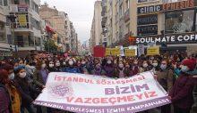 Türkiye'de kadınlar ayaklandı, AKP'ye tepki yağdı.