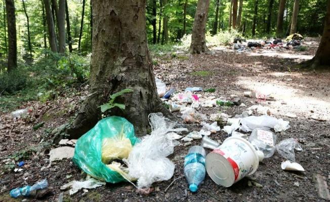 Yine Piknikçiler, yine çöp yığınları!